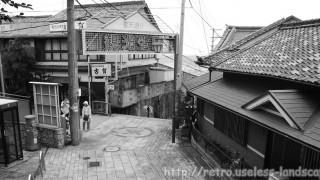 最後の桃源郷 生駒山・宝山寺新地を歩く
