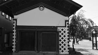 岩手県奥州市で蔵づくりな街並みを眺める