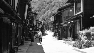 CENTER OF 中山道 奈良井宿で宿場町の風情を満喫する